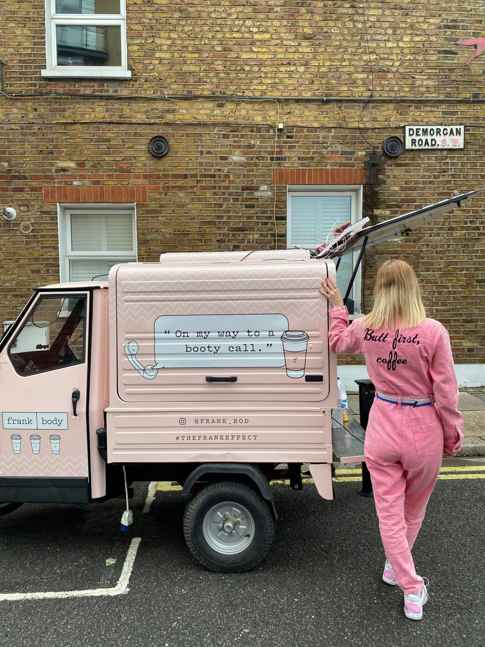 Mobile coffee cart and van hire London, uk